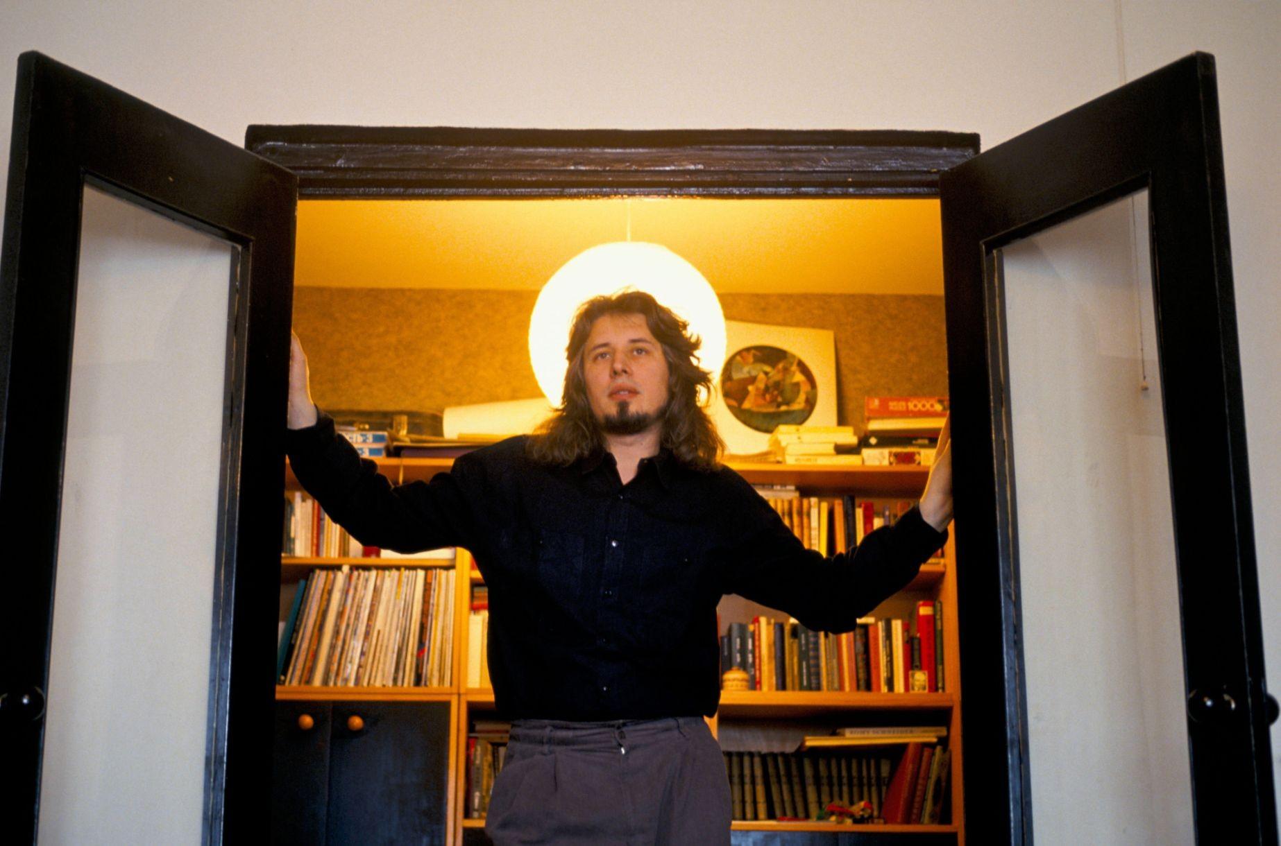 סורוקין ב-1994. התחיל כצייר ומאייר בשנות ה-70, לפני שעבר לעסוק בספרות